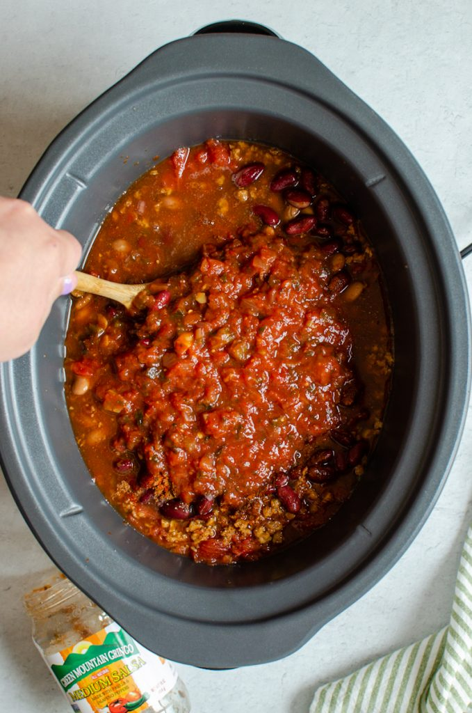 Making chili with salsa in the slow cooker