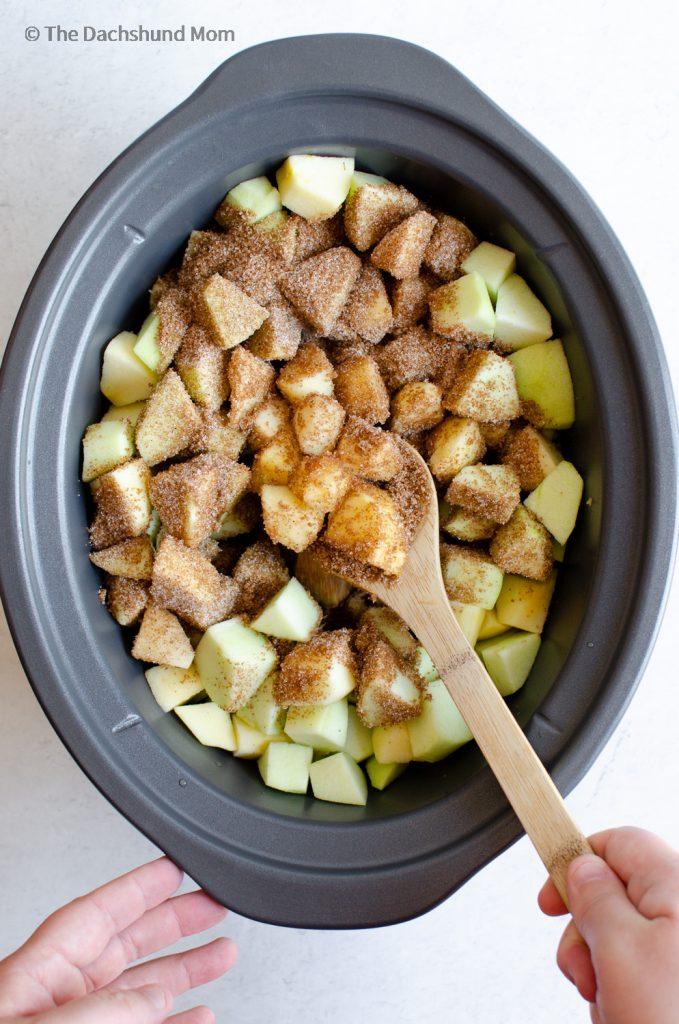 preparing apples for slow cooker apple butter